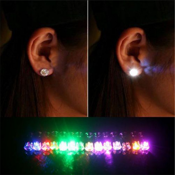 FASHION EARRING WITH LED LIGHT