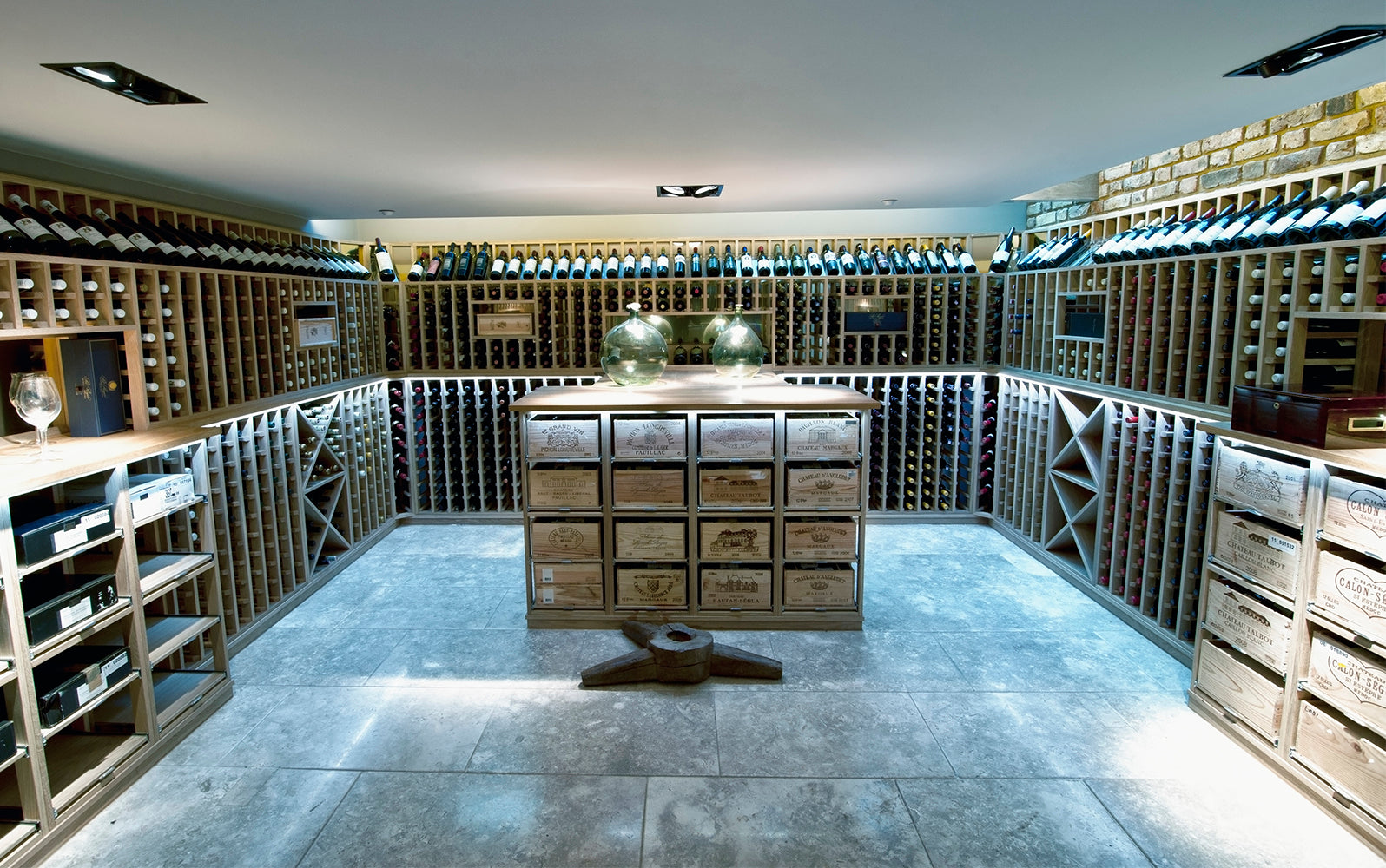 Wine Rooms / Wine Cellars