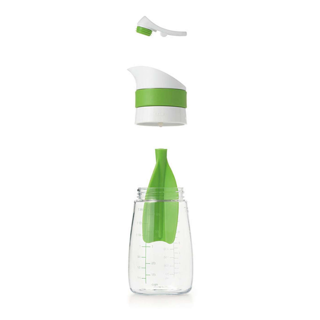Twist & Pour Salad Dressing Mixer