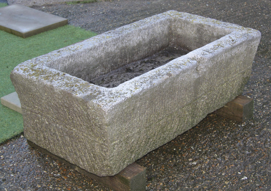 Antique stone trough 018.     1100 mm (L)