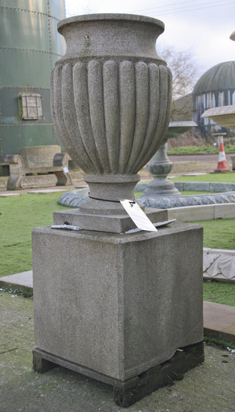 Regency urn and pedestal / sandstone  003 - 1150 mm  (H)