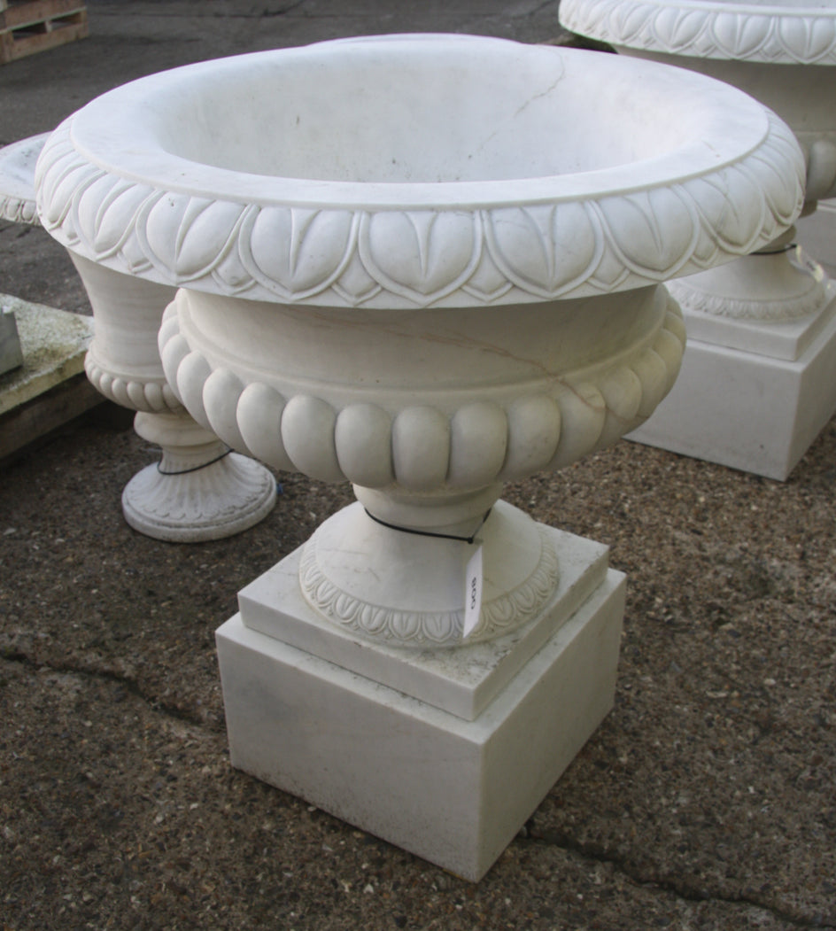 Tazza urn / white marble 008 - 1000 mm (H)