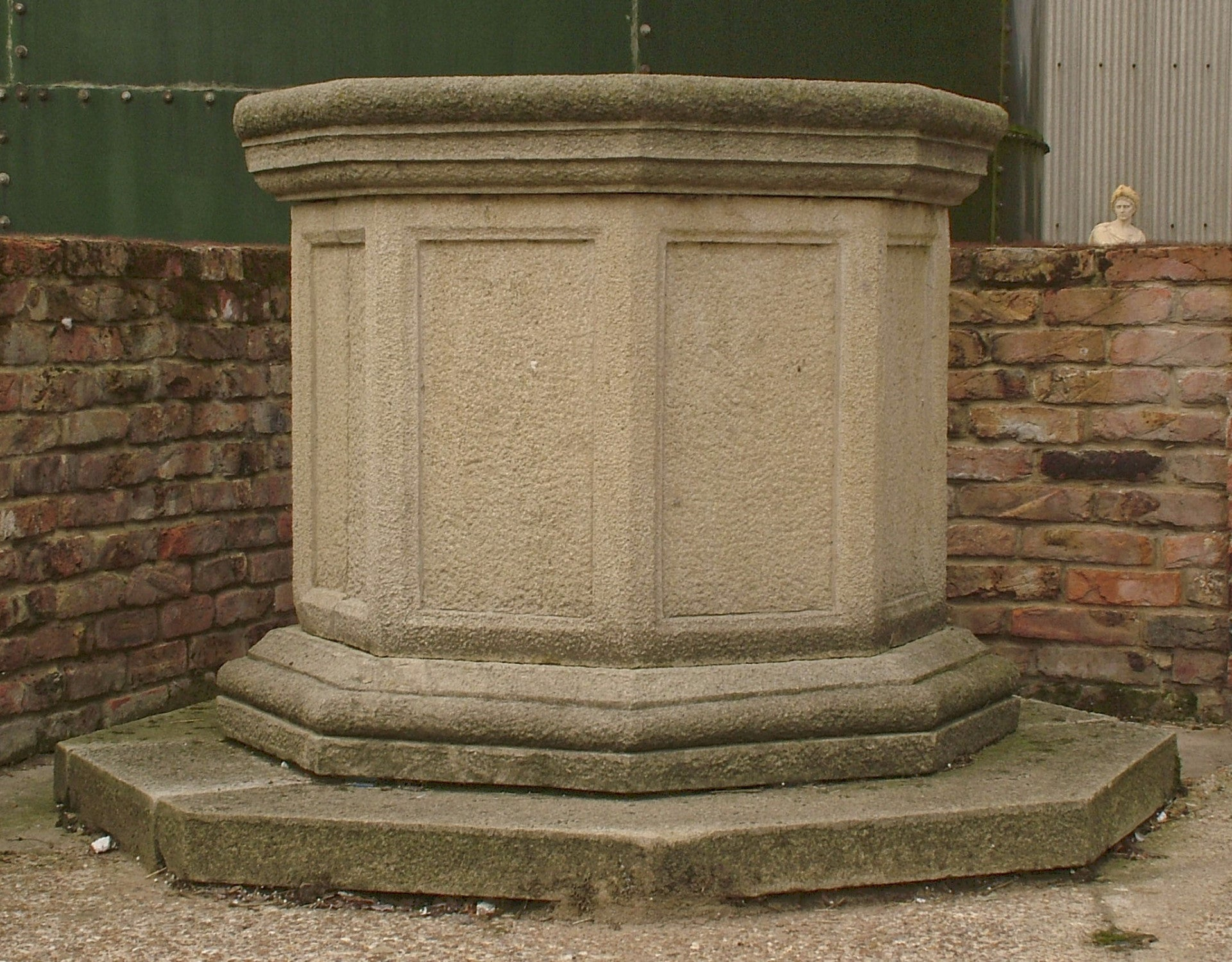 Well Head In Sandstone For Sale After The Antique
