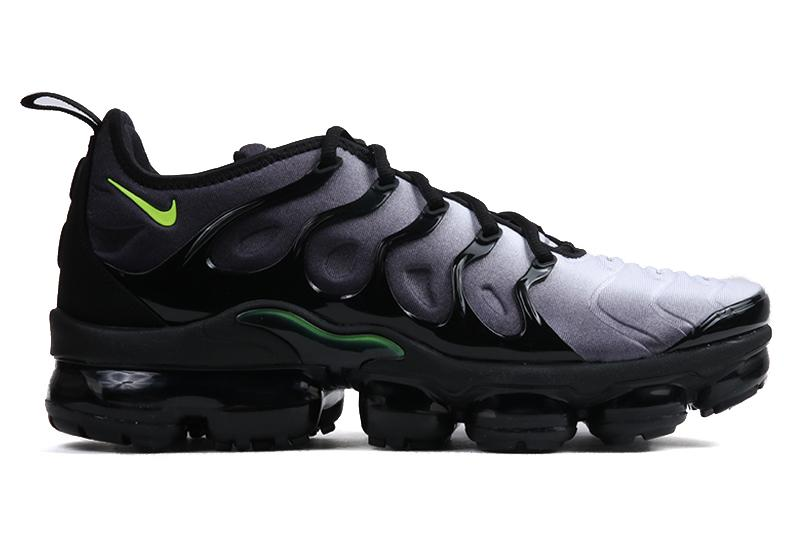 AIR VAPORMAX PLUS - 924453-009