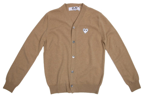 WHITE HEART PATCH CAMEL CARDIGAN