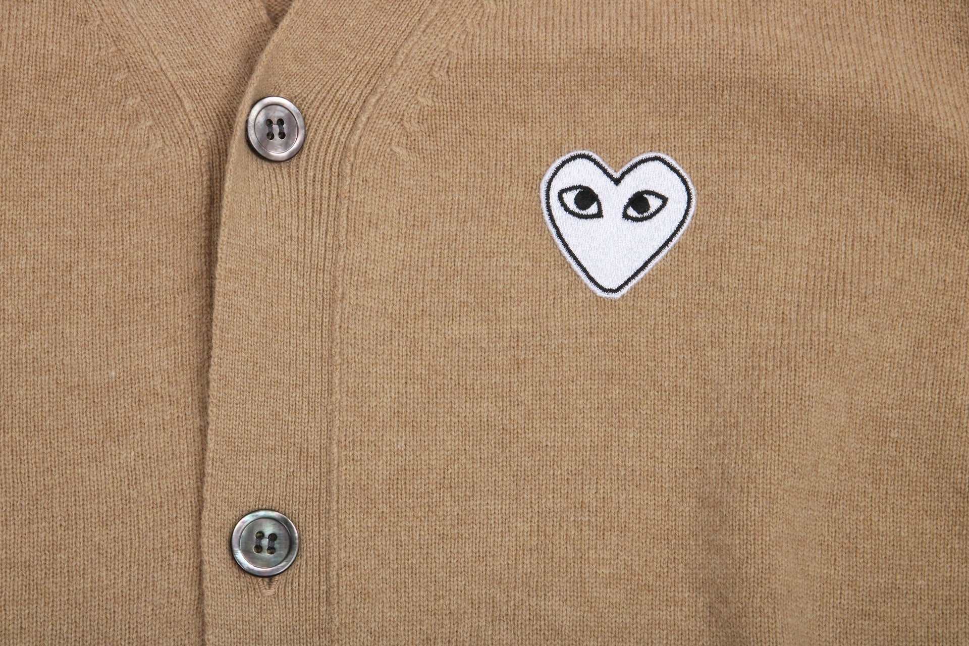 WHITE HEART PATCH CAMEL CARDIGAN MENS SOFTGOODS COMME DES GARCONS