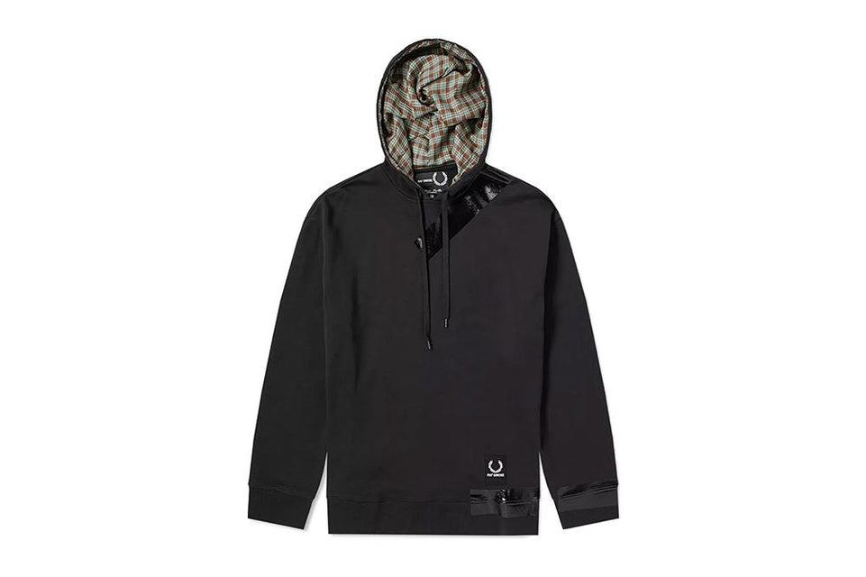 RS TAPE DETAIL HOODED SWEAT - SM4106 MENS SOFTGOODS FRED PERRY