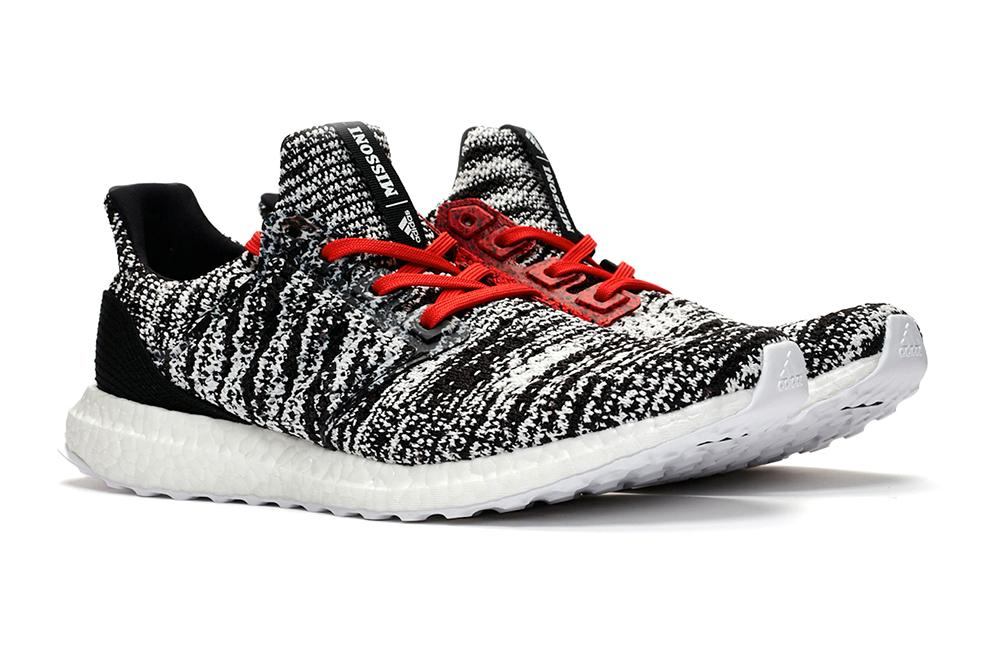 be3f728c19492 ULTRABOOST CLIMA x MISSONI  COREBLACK   FTWRWHITE   ACTIVERED  - D97743  MENS FOOTWEAR ADIDAS