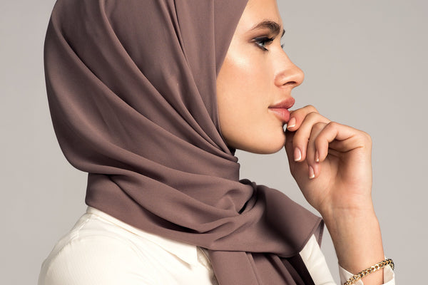 Say No to Slipping: How to Keep Your Hijab in Place!