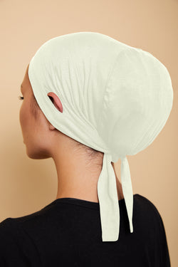 Ear Slit Under Scarf | Ivory