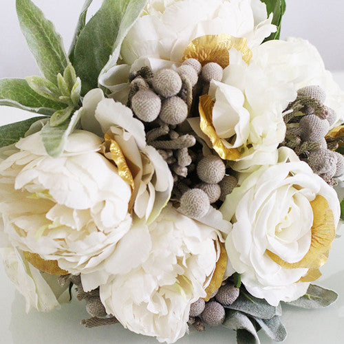 How to Make a Bouquet with Silver Brunia Video