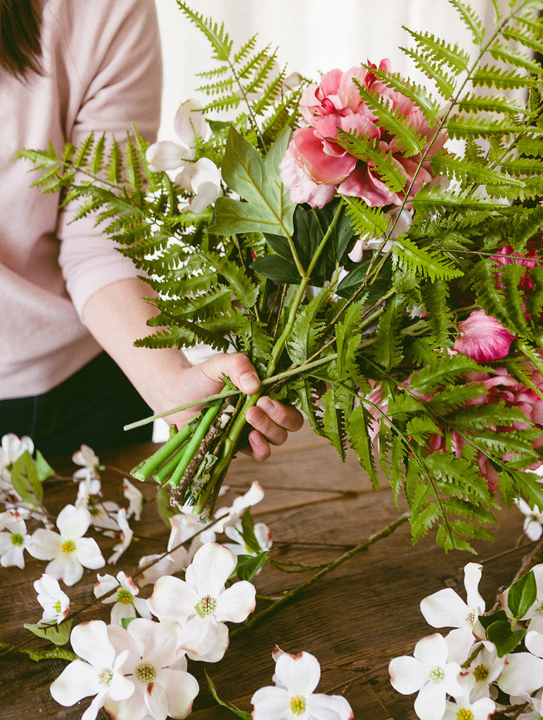 Make Your Own Dogwood Bouquet Diy Bouquet Spring Flower