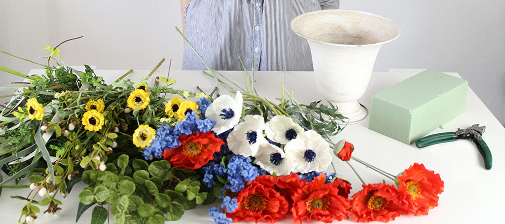 How to make a patriotic floral arrangement memorial day floral create your very own silk floral arrangement for memorial day remembrance day independence day 4th of july andor veterans day by following this mightylinksfo