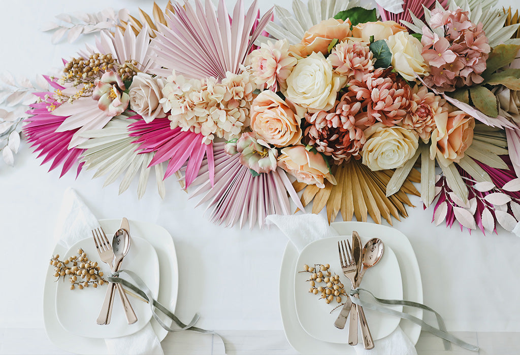 preserved palm tablescape with dried flowers