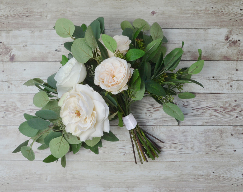 Learn how to use hydrangeas in a bridal bouquet from floral designer Sarah Brysk Cohen in this Howcast video about wedding flowers. I love hydrangeas. Everybody loves hydrangeas. They are a gorgeous bloom, and they are really at the height of their season in .