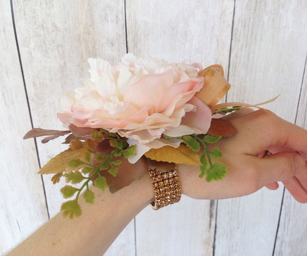 prom corsage and boutonniere
