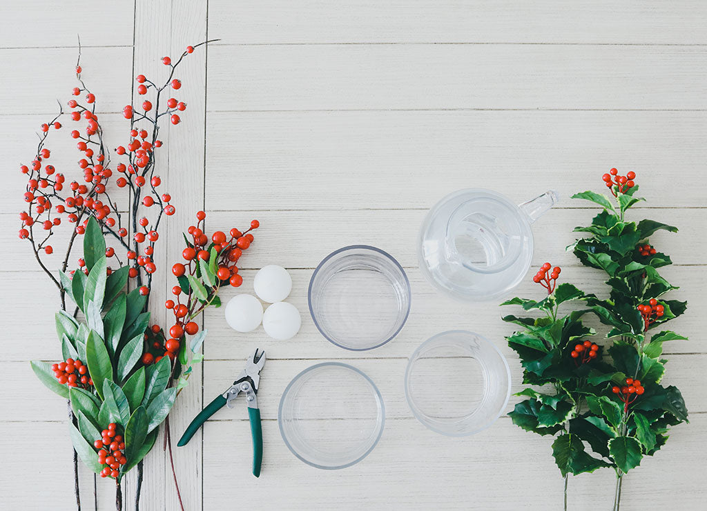 DIY Submersible Holiday Berry Centerpiece