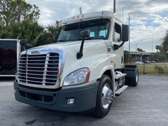 2012 Freightliner Cascadia Daycab 617k GREAT LOCAL TRUCK or Toy Hauler