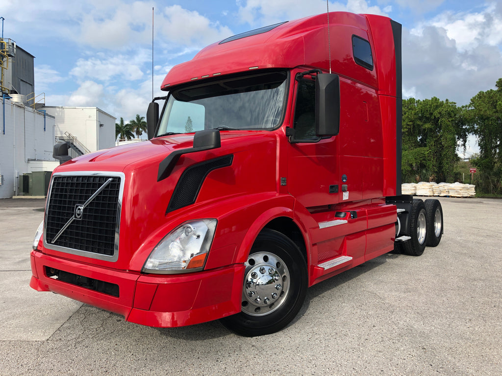 2015 Volvo VNL 670 D13, 10 Speed, ONLY 482k MILES, One Owner, MINT!