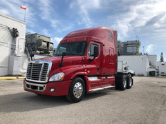 2011 Freightliner Cascadia Cummins ISX, APU, AUTOMATIC, 600k on engine