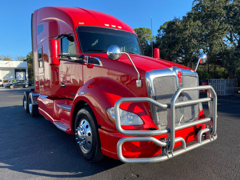 2015 KW Kenworth T680, 13 Speed, 900k Miles, Leather, Extra Gages, Fridge!!!!