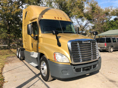 2014 Freightliner Cascadia  Detroit DD15, 10 Speed, 532k, Fridge,CLEAN