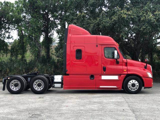 2013 FREIGHTLINER CASCADIA 125 MIDROOF LOW LOW LOW MILES 307K