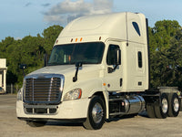 2013 Freightliner Cascadia 125, Cummins ISX 450HP, 10 Speed Manual, 488k Miles!!!