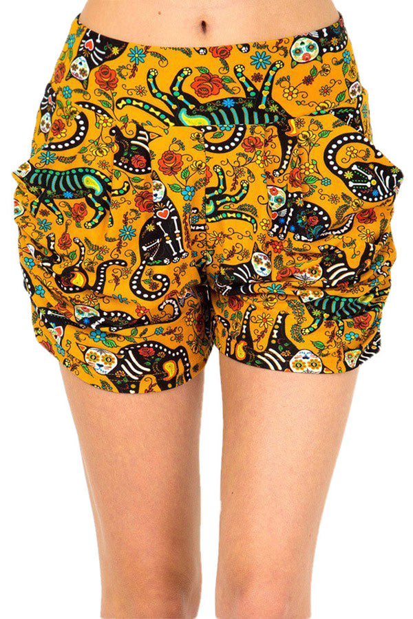 Women's Regular Cat Sugar Skull Printed Pleated Pockets Harem Shorts