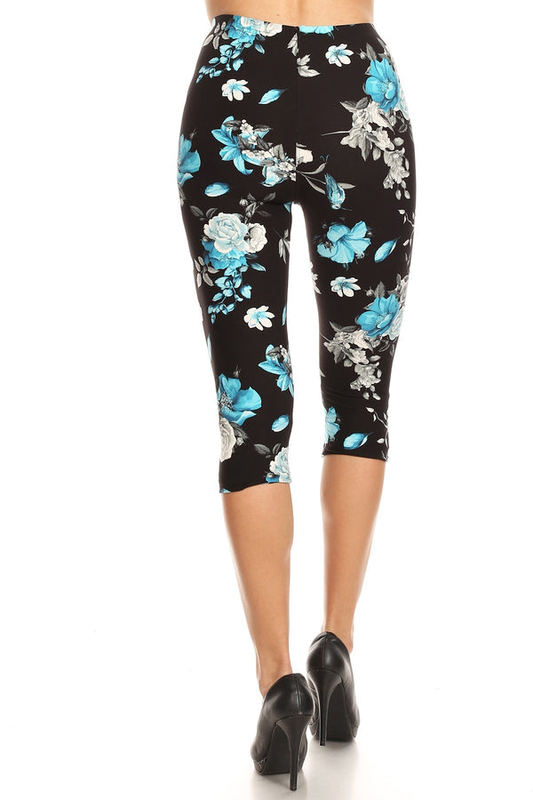 Women's Regular Blue Flower and Bird Printed Cropped Capri Leggings