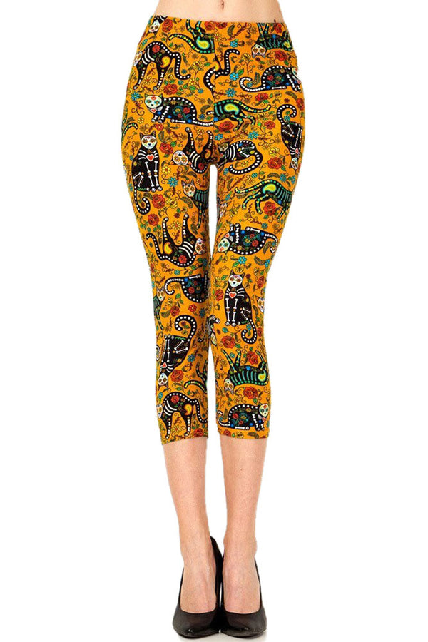 Women's Plus Cat Sugar Skull Printed Cropped Capri Leggings