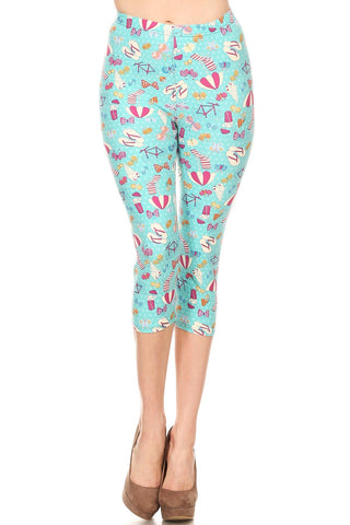 Women's Plus Summer Theme Vacation Printed Cropped Capri Leggings