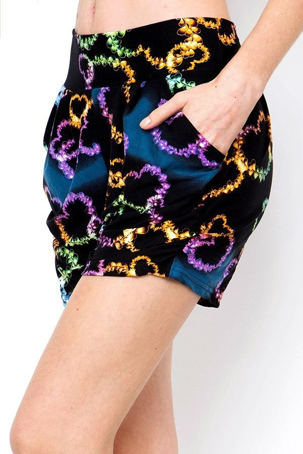 Women's Regular Colorful Flame Heart Printed Pleated Pockets Harem Shorts