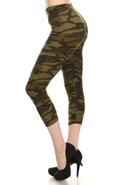 Women's Regular Dark Military Camouflage Pattern Print Capri Leggings - Olive Green