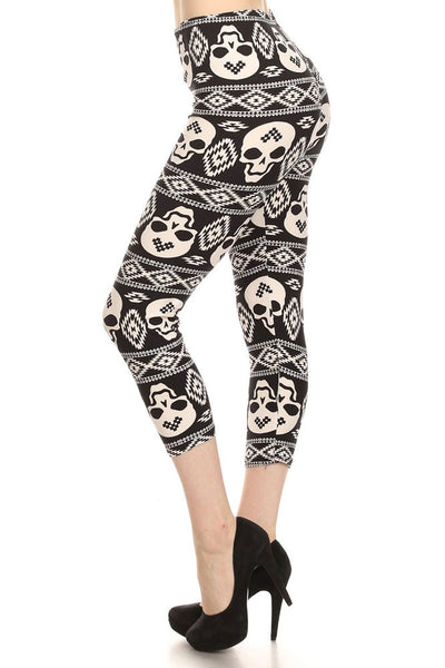 Women's Regular Navajo Skull Mix Pattern Print Capri Leggings - Black White