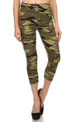 Women's Regular Mild Military Camouflage Pattern Print Capri Leggings - Olive Grey