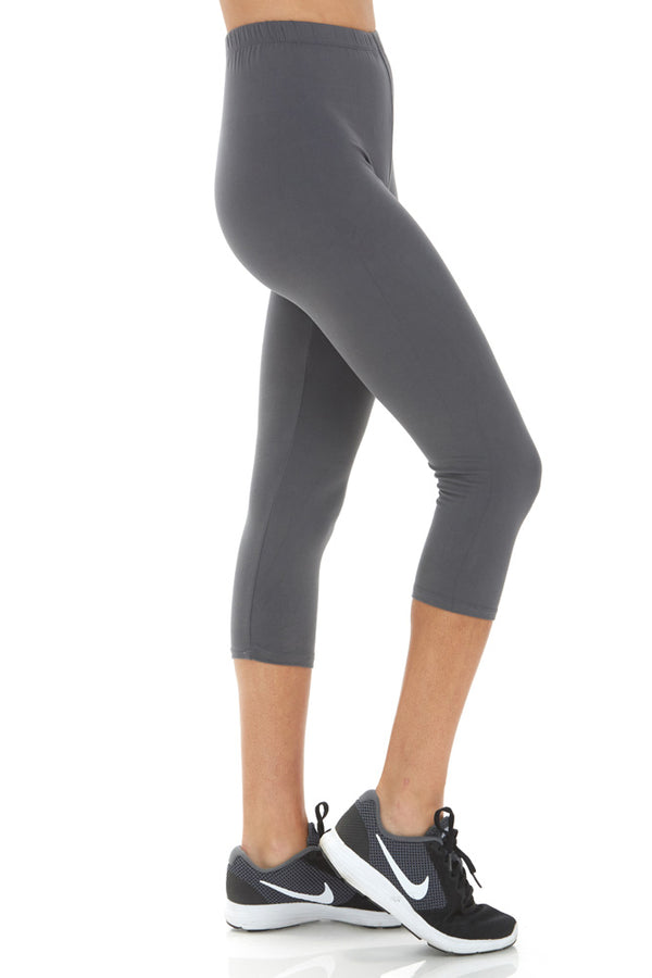 Women's Regular Solid Color Buttery Soft Cropped Capri Leggings