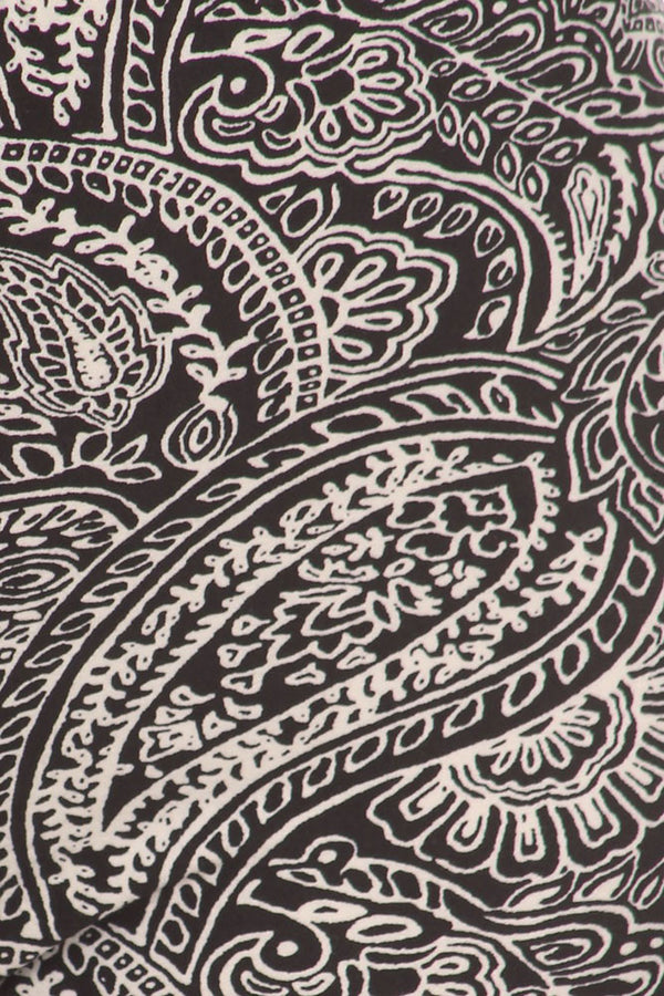 Women's Regular Gorgeous Paisley Pattern Print Leggings - Black White