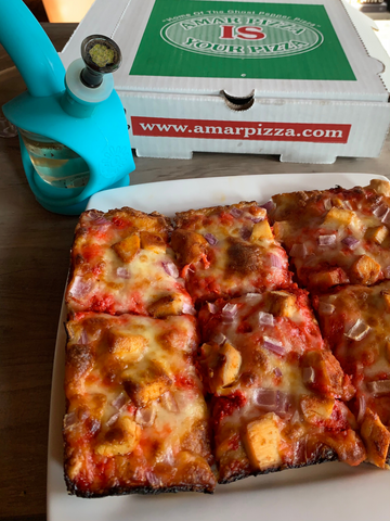 Amar Pizza with Ooze Bong