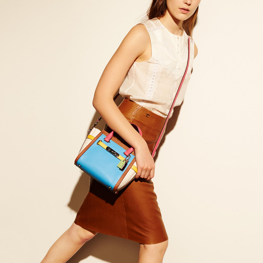 COACH SWAGGER 21 CARRYALL IN RAINBOW colorblock leather - PitaPats.com