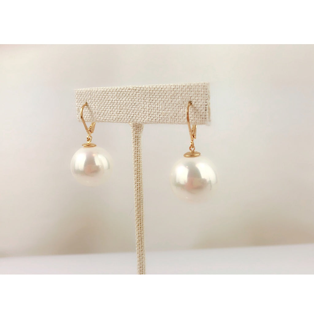 Girl with a Pearl earring - Beautiful affordable faux pearl earring - PitaPats.com