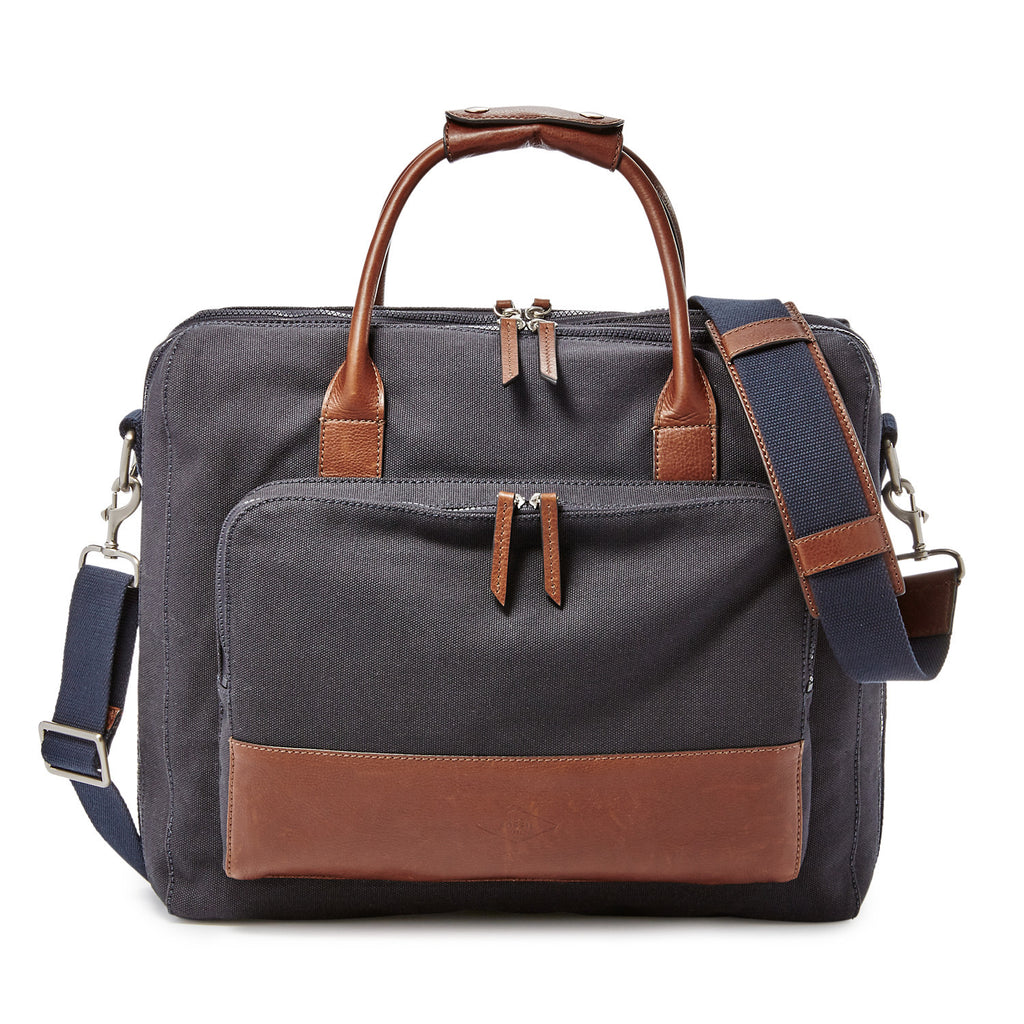 Fossil Carson Travel Brief - PitaPats.com