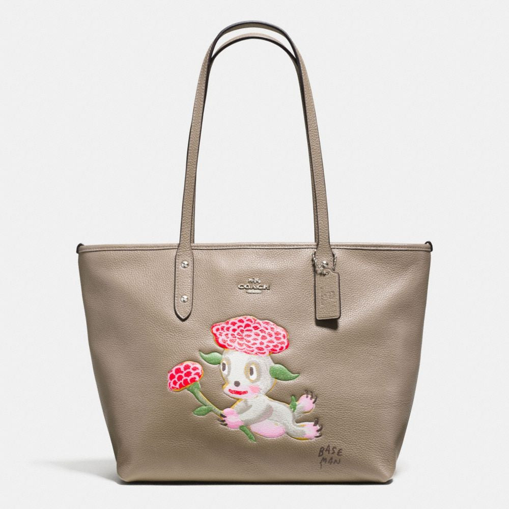 COACH BASEMAN X COACH LOU CITY ZIP TOTE IN PEBBLE LEATHER - PitaPats.com