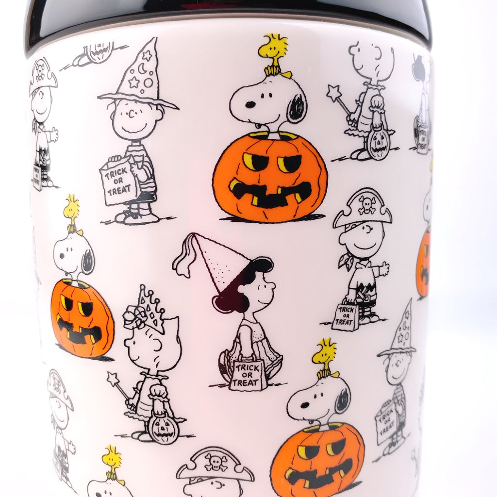 Peanuts Charlie Brown & Friends & Snoopy Great Pumpkin Big Halloween Cookie Jar