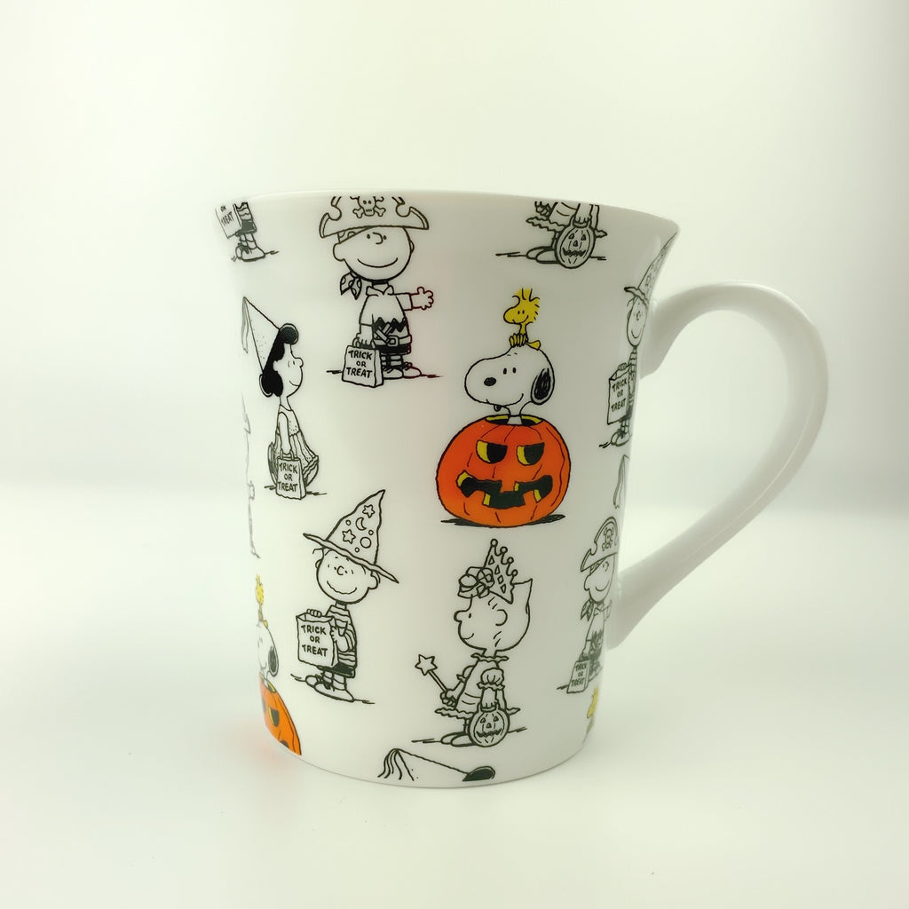 Peanuts Charlie Brown & Friends & Snoopy Great Pumpkin Halloween Coffee Mug, 16 oz