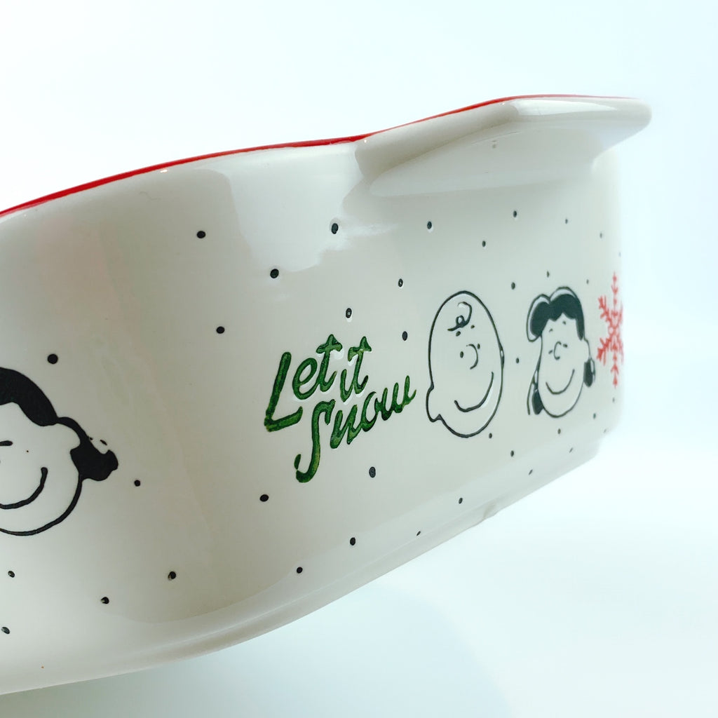 Peanuts Charlie Brown & Friends & Snoopy Ceramic Let It Snow Winter Rectangle Oven Cookware