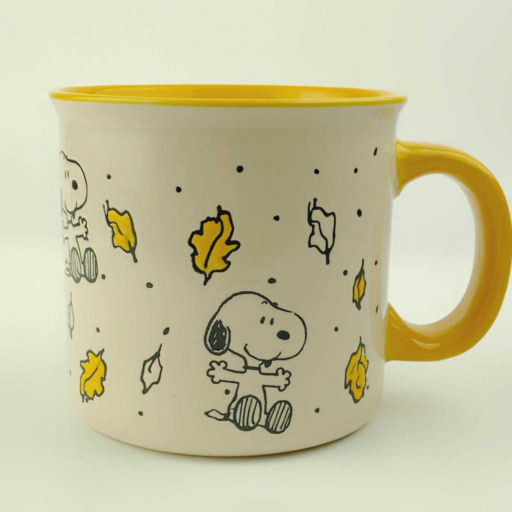 Large Peanuts Charlie Brown Snoopy Autumn Leaves Mug 21 oz Yellow