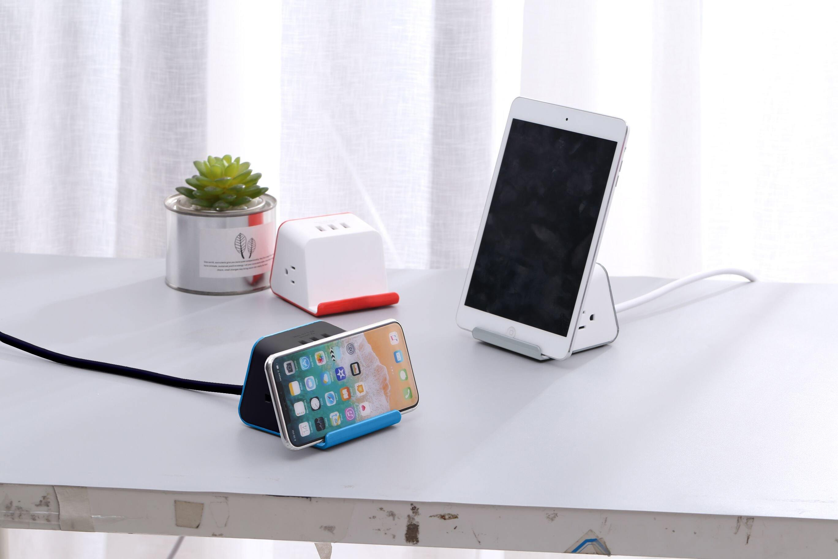MyDesktop 29W Wireless Charging Stand with 3 USB Ports and 2 Power Outlets - Grey
