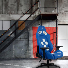 Finish Line Chair - White on Blue