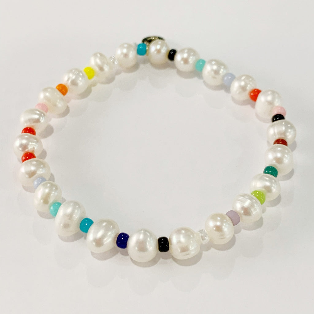 Round Rainbow Bracelet with Pearls